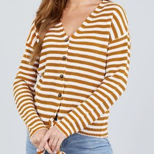 Active USA Sweaters - 🌸Long Sleeve Button Down Cardigan